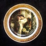 Σετ 2 τμχ. πιάτα τοίχου χρυσή μπορντούρα